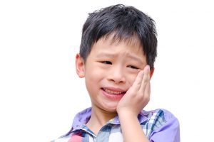 乳歯のむし歯を放置するリスク